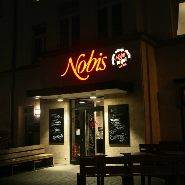 https://www.hennicken.de/wp-content/uploads/2019/03/Nobis-Pontwall-nacht.jpg