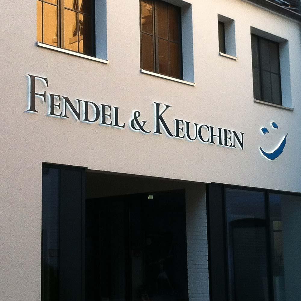 https://www.hennicken.de/wp-content/uploads/2019/03/einzelbuchstaben-3d-elemente-fendel-keuchen-01.jpg